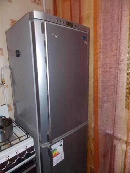 постоянно_работает_холодильник