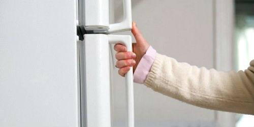 Дверца холодильника