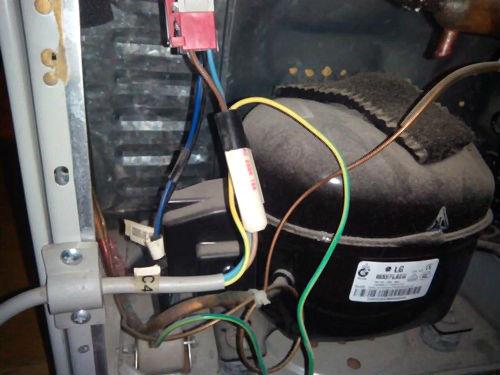 Изоляция нового сетевого кабеля холодильника